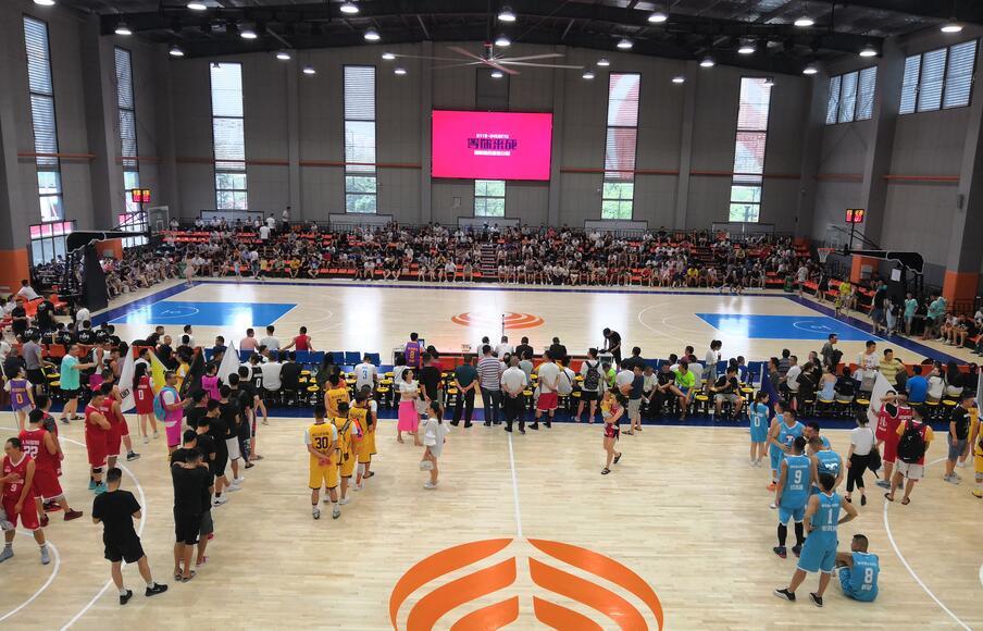 湖北汽车工业学院体育馆篮球馆